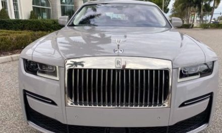 2021 Rolls-Royce Ghost Review by Supercars In Seconds