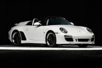 DRIVING EXCITEMENT: 2011 Porsche 911 Speedster